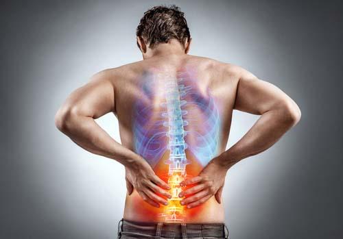 Surpoids, obésité & mal de dos : quand les kilos pèsent sur mon dos