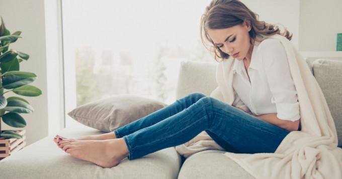Que faire en cas de mal au ventre après ovulation et perte blanche ?