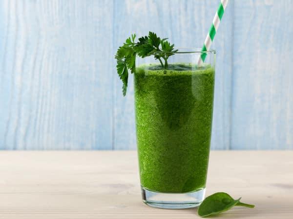 Voici l'une des meilleures boissons pour perdre du poids… Et ce n'est pas un smoothie aux fruits