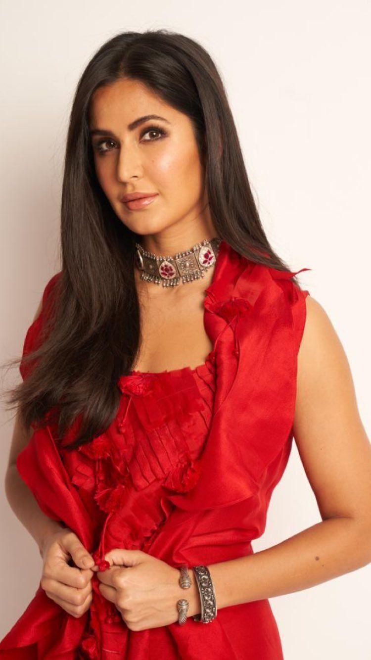 Résultat d'images pour Madhuri dixit | Madhuri dixit, Bikini photos, Madhuri dixit hot